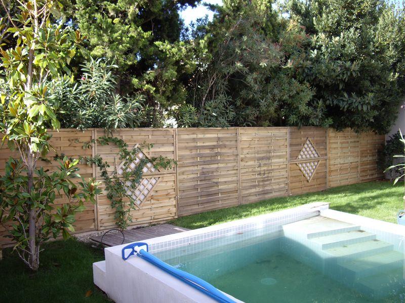 Superbe Paravent De Jardin En Bois #13: ... Bois Sur Velaux Décoration Du0027un Jardin Avec Des Panneaux De Clôture En  Classe 4 Sur Marignane